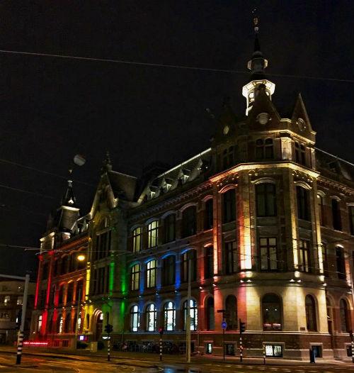 Conservatorium Hotel Verlicht Voor Gay Pride Amsterdam